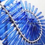 Escultura Cinta de Moebius con botellas de plástico