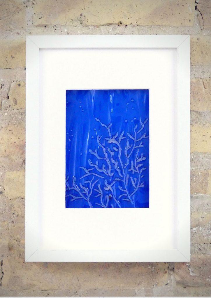 Corales azules - Rosa Montesa - Pirografiado-soldado de plástico