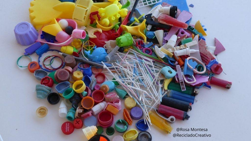 Limpieza de playas. Basura de plástico
